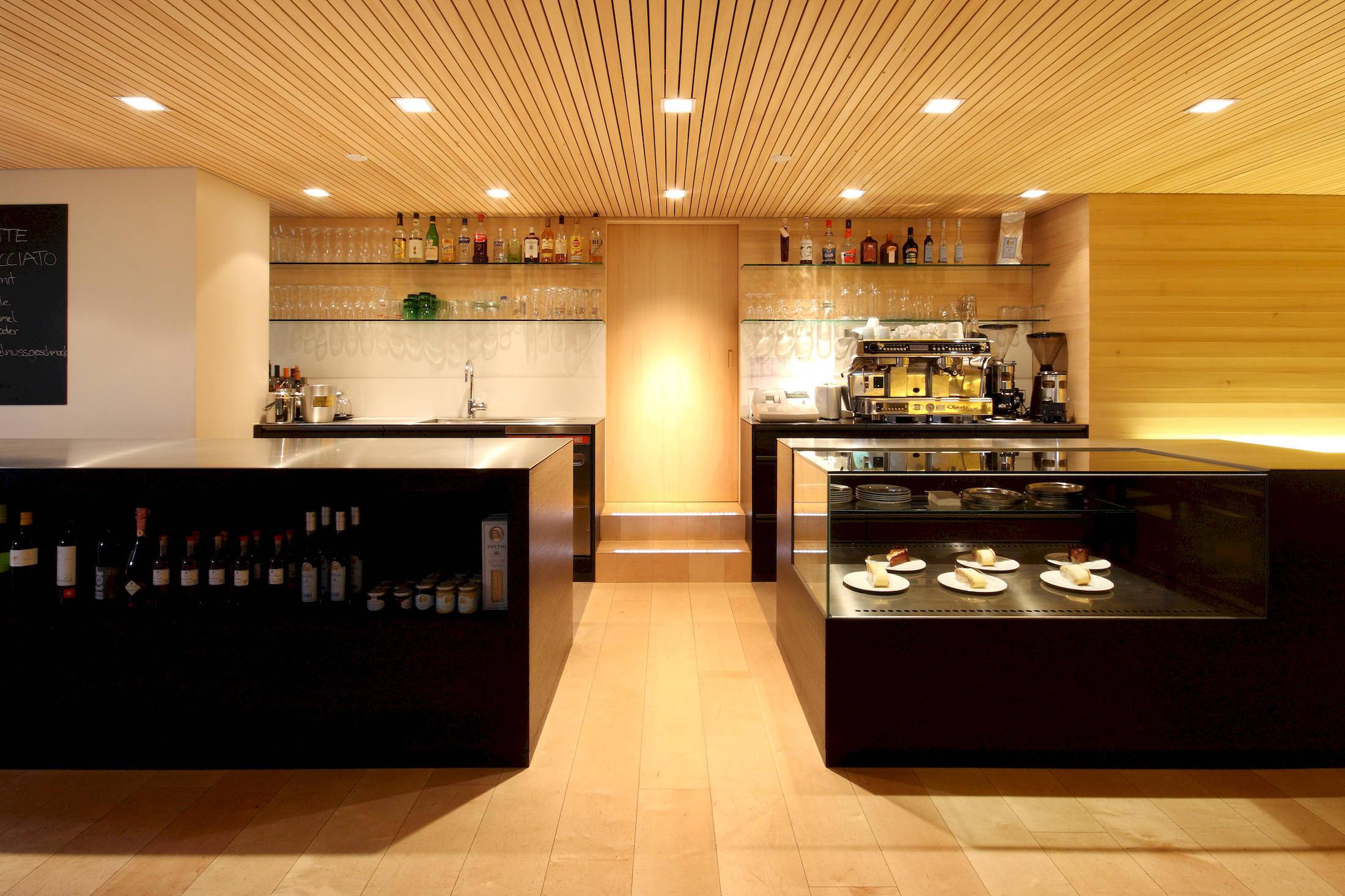 cafe angelikah he schwarzenberg kaufmann zimmerei tischlerei holzmodulbau. Black Bedroom Furniture Sets. Home Design Ideas